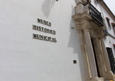 Casa de las Columnas-Museo Arqueológico y Etnológico